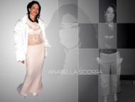 Annabella Sciorra / Celebrities Female