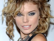 Annalynne McCord / Celebrities Female