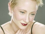 Anne Heche / Celebrities Female
