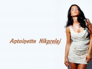 Antoinette Nikprelaj / Celebrities Female