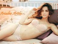 Ariadne Artiles / Celebrities Female