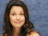 Download Ashley Judd / Celebrities Female