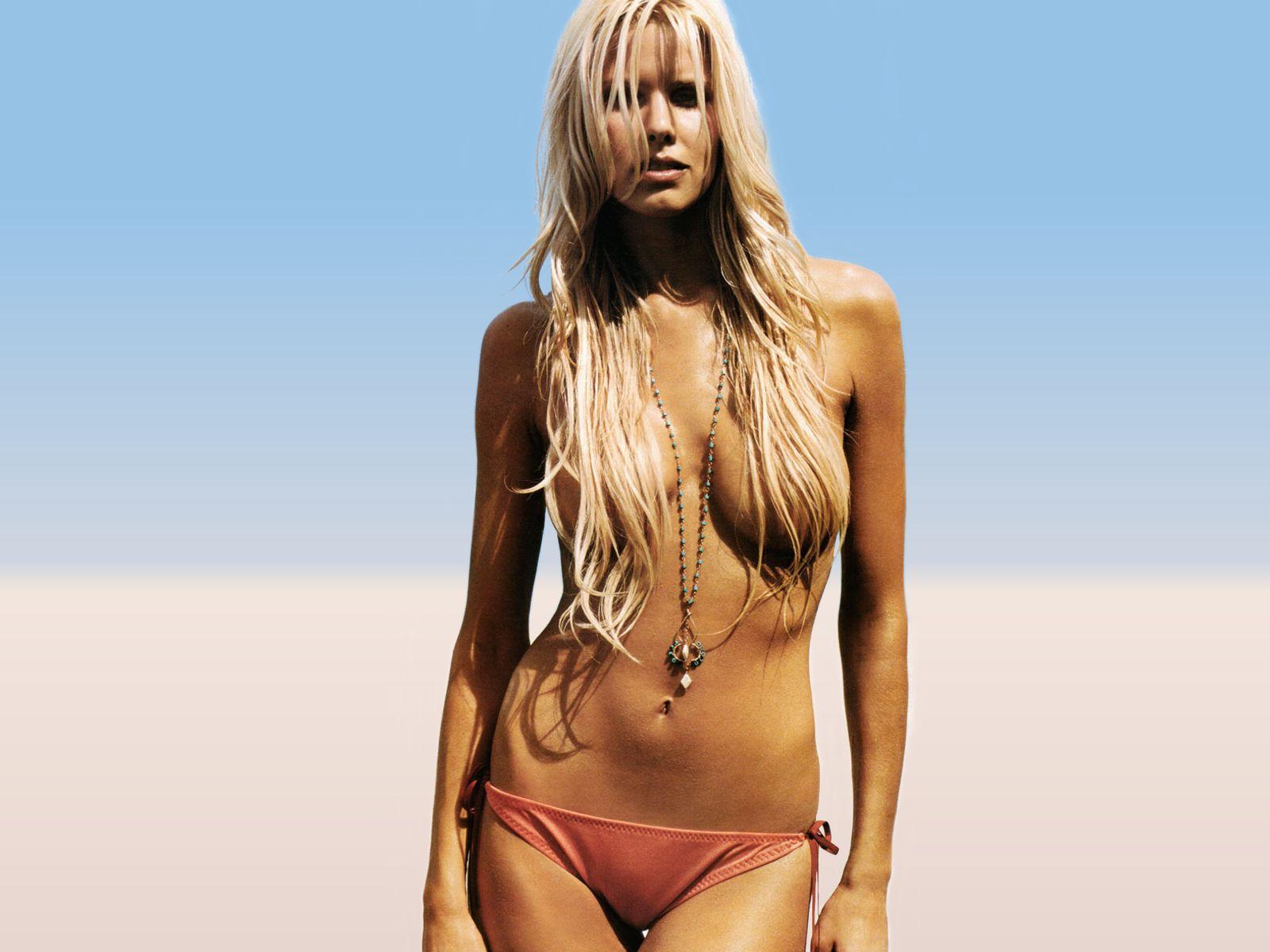 Beth Ostrosky Topless