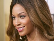Beyonce Knowles / Celebrities Female