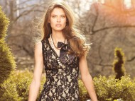 Download In garden / Bianca Balti