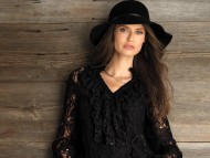 Black hat / Bianca Balti