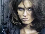 Languishing look / Bianca Balti