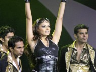 Download Dancing / Bipasha Basu
