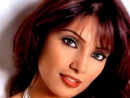 Download Bipasha Basu / Celebrities Female