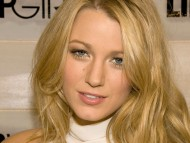 Actress from: The Sisterhood of the Traveling Pants / Blake Lively