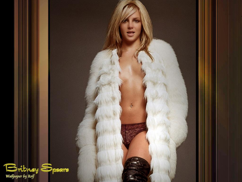 Голая блондинка в шубе секс 720р