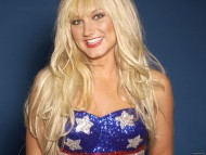 USA smiling / Brooke Hogan