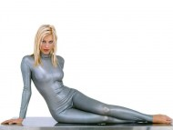 tight-fitting / Caprice Bourret