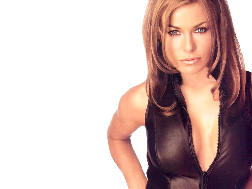 Download Carmen Electra / Celebrities Female wallpaper / 1024x768