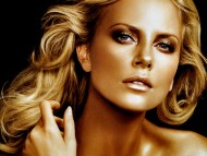 Golden Face / Charlize Theron