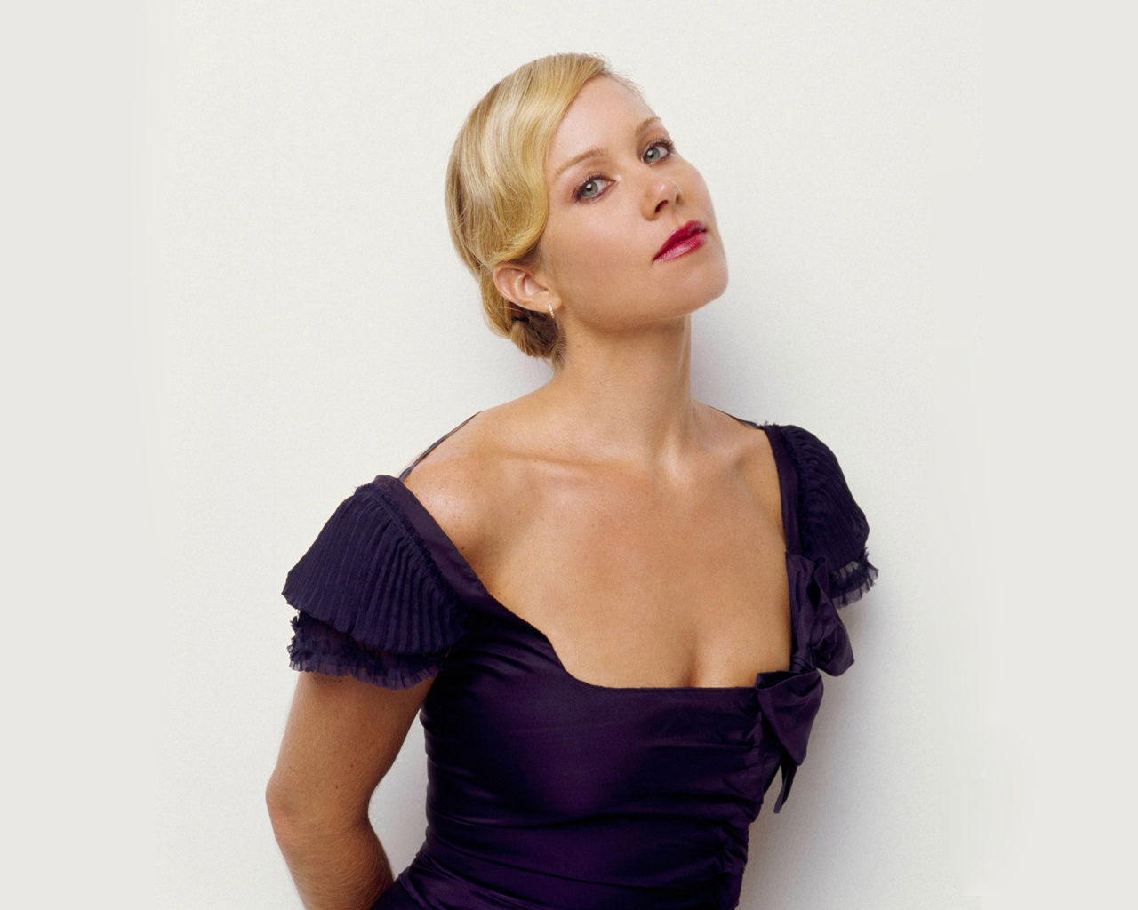 Christina Applegate - Actress Wallpapers
