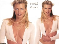 Daniela Pestova / Celebrities Female