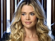 Download Denise Richards / Celebrities Female