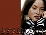 Devon Aoki / Celebrities Female