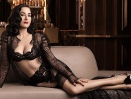 Dita Von Teese / Celebrities Female