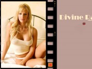 Divine Rae / Celebrities Female