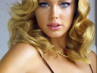 Doutzen Kroes / Celebrities Female