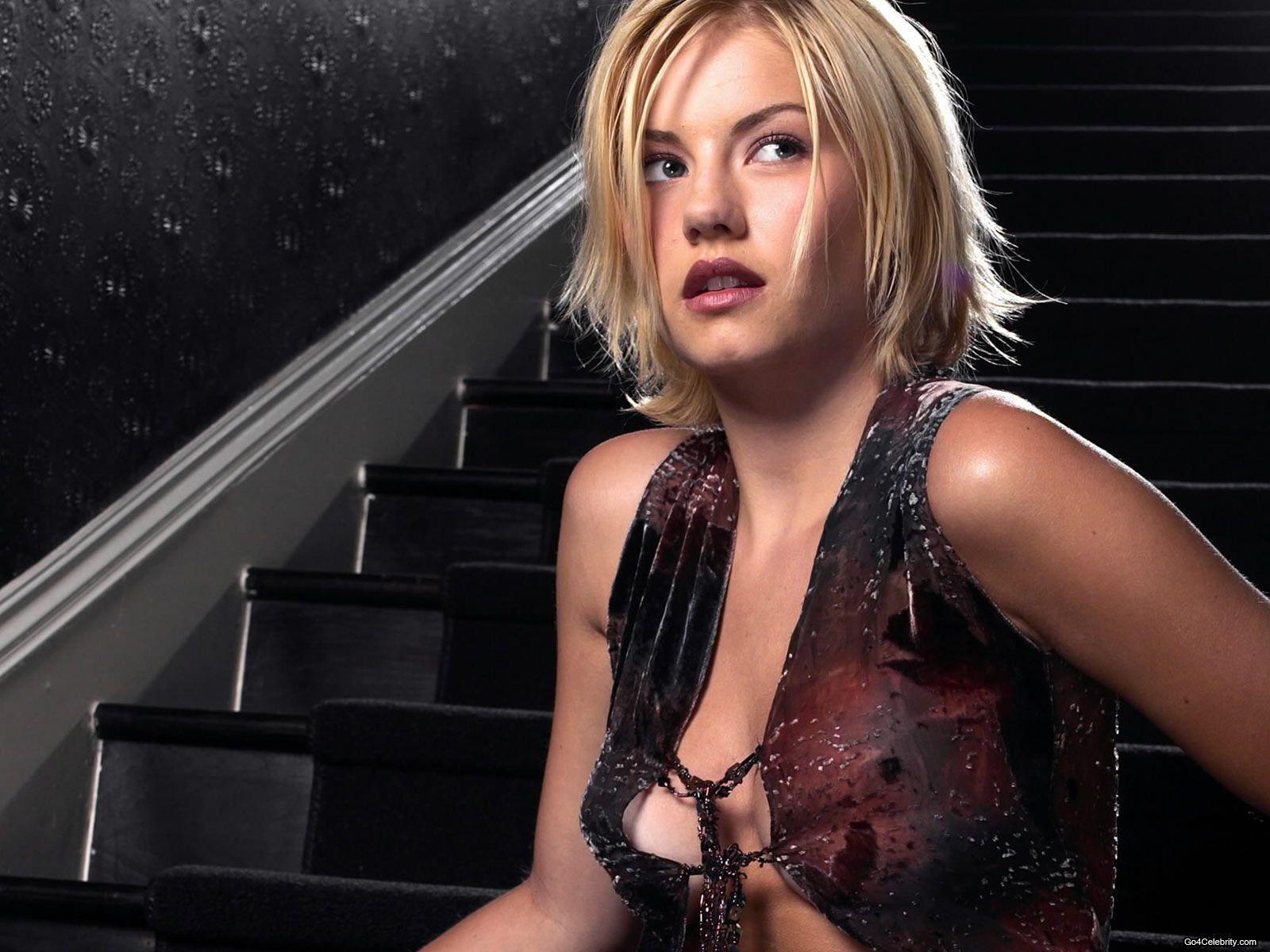 Elisha Cuthbert sexy gallery