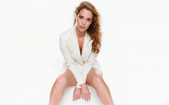 Free Send to Mobile Phone only white jacket Elizabeth Berkley wallpaper num.6