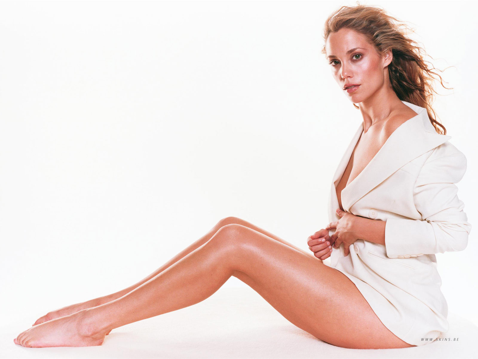 Download High quality only white jacket Elizabeth Berkley wallpaper / 1600x1200