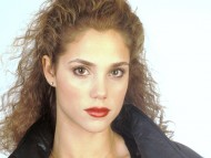 pretty face / Elizabeth Berkley