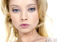 Elizabeth Harnois / Celebrities Female
