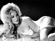 Ellen Barkin / Celebrities Female