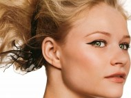 Download Emilie De Ravin / Celebrities Female
