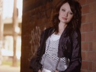 Emily Browning / Celebrities Female