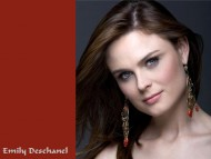 Emily Deschanel / Celebrities Female