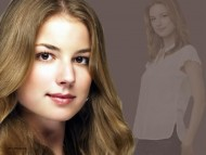 emily thorne, emily, revenge, emily vancamp, sexy, beauty, abc, drama / Emily VanCamp