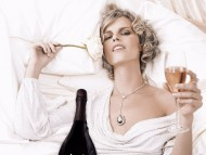 Eva Herzigova / Celebrities Female
