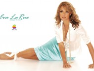 Eva Larue / Celebrities Female