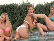 Danielle Maye, Eva Parcker & Lexi Lowe / Eva Parcker