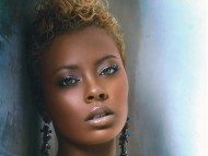 Eva Pigford Evans / Celebrities Female