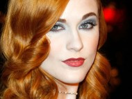 Evan Rachel Wood / Celebrities Female