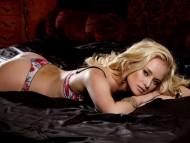 Download Gabi / Celebrities Female