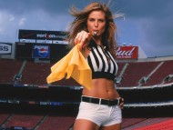 At the stadium as a field judge / Heidi Klum