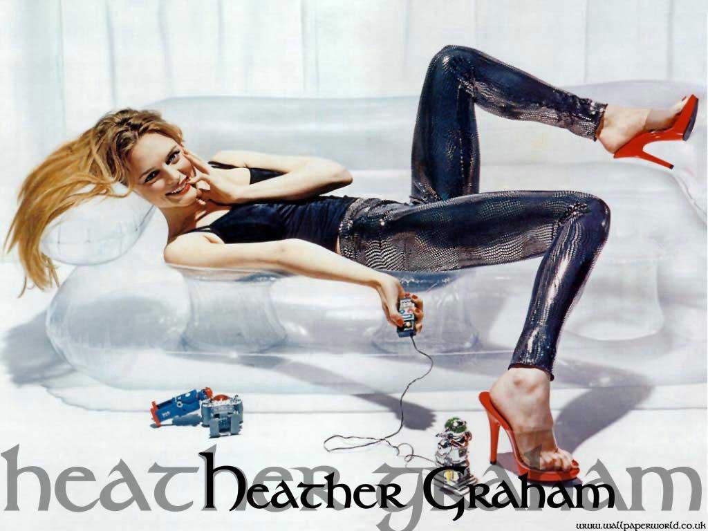http://www.shareyourwallpaper.com/upload/wallpaper/celebrities-female/hiter-grem/hiter-grem_8bf727c4.jpg