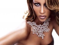 Iman / Celebrities Female
