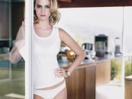 January Jones / Celebrities Female