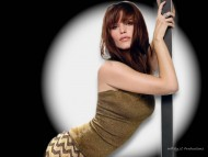 On pole / Jennifer Garner