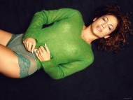 Green blouse / Jennifer Lopez