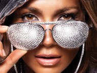 Diamond glasses / Jennifer Lopez