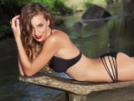 Download Jennifer Love / Celebrities Female